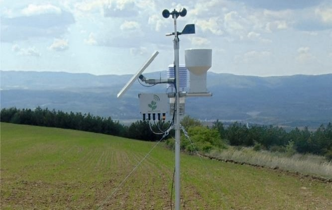 Collect climate and soil data with ONDO Weather